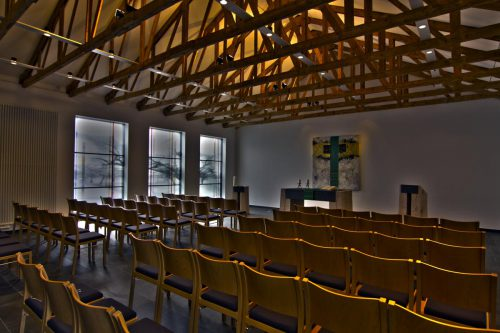 Fenster Entwurf: Marie-Luise Frey - Realisierung: Derix Glasstudios Taunusstein Gesamtkonzept: Frey und Reuter - Hallenberg Raum gesamt