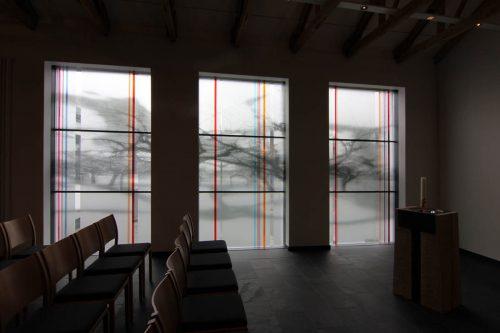 Entwurf: Marie-Luise Frey - Realisierung: Derix Glasstudios Taunusstein - Hallenberg Raumansicht Fenster